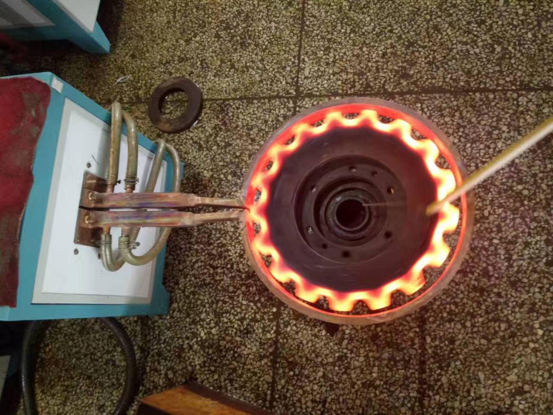 齿轮表面淬火电炉