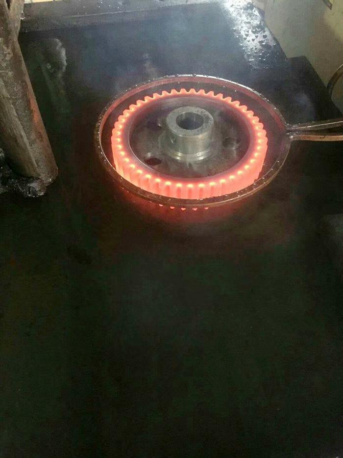 洛阳齿轮淬火高频炉